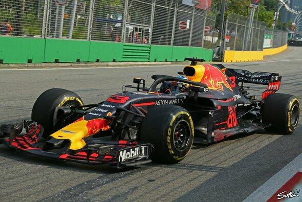 Daniel Ricciardo sicherte sich die Bestzeit im 1. Training zum Singapur GP 2018 - Foto: Sutton