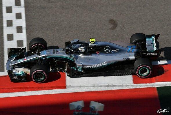 Valtteri Bottas holte sich in Russland überraschend vor Mercedes-Teamkollege Lewis Hamilton die Pole Position - Foto: Sutton