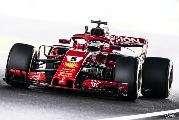 Sebastian Vettel scheint erneut chancenlos gegen Lewis Hamilton - Foto: Sutton