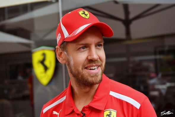 Sebastian Vettel hat sich nach der WM-Pleite aus dem Tal der Tränen befreit - Foto: Sutton