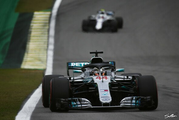 Lewis Hamilton hatte in Brasilien ein dickes Williams-Problem - Foto: Sutton