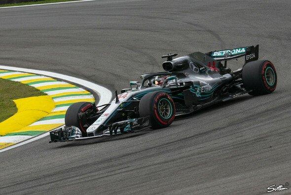 Mercedes feiert beim Formel-1-Rennen in Brasilien Lewis Hamiltons Sieg und die Konstrukteurs-WM - Foto: Sutton