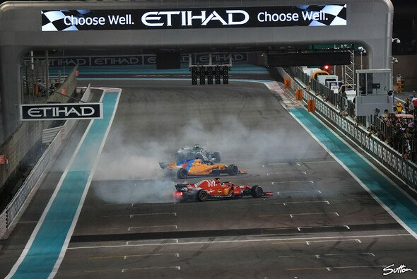 Die Formel-1-Piloten verheizen ihre Reifen nach dem Finale in Abu Dhabi traditionell mit Donuts - Foto: Sutton
