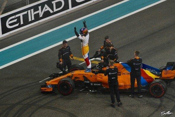 Beim Saisonfinale verabschiedete sich Alonso gebührend - Foto: Sutton