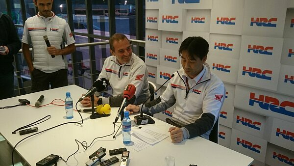 Livio Suppo (Mitte) trat in Valencia offiziell zurück, Foto: Motorsport-Magazin.com