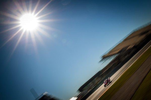 Der erste Testtag in Valencia fand unter Sonnenschein statt, Foto: gp-photo.de/Ronny Lekl