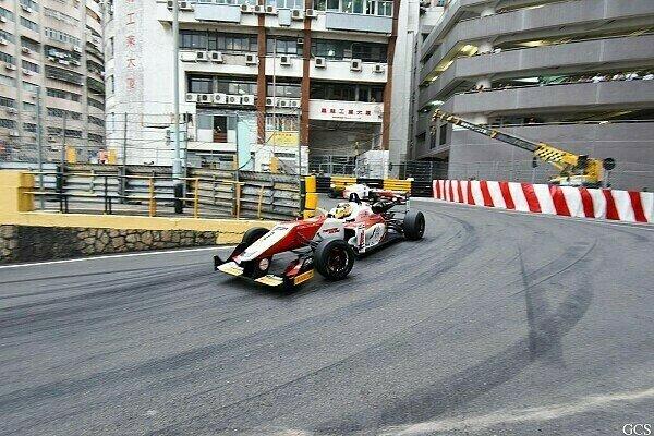 Auch in diesem Jahr geht es durch die Häuserschluchten von Macau, Foto: Macau GP